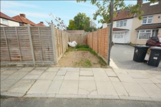 Halsbury Road East,  NORTHOLT, Greater London, UB5 4PY