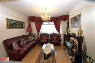Halsbury Road West,  NORTHOLT, Greater London, UB5 4PW